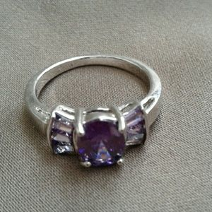 Jewelry - New purple fashion ring